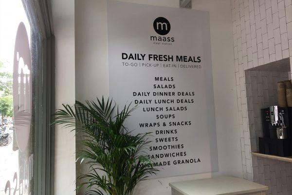 maass mealstation raambelettering3